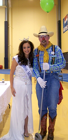 Cactus with Ms. Minnesota 2007